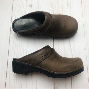 L.L. Bean Brown Leather Clogs 39 Med